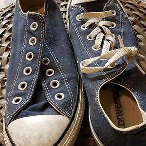 Blue converse low tops